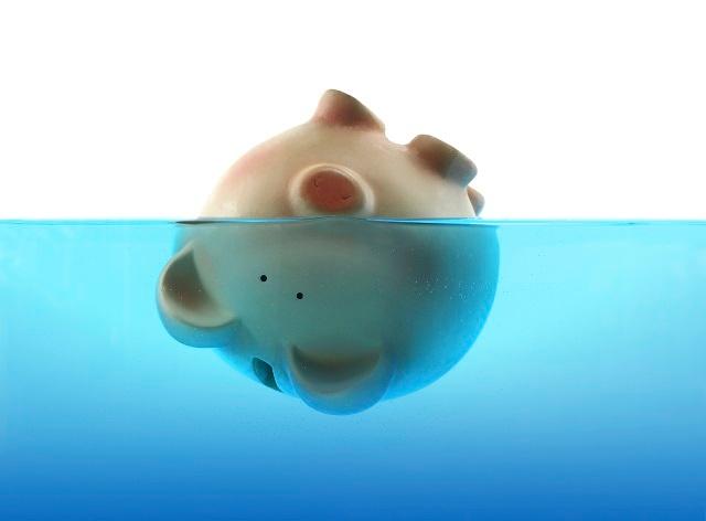 sinking_piggy640.jpg